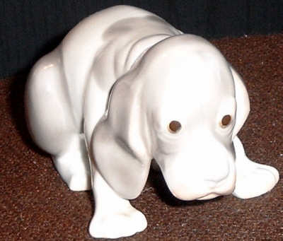 Beagle in Lladro-Style