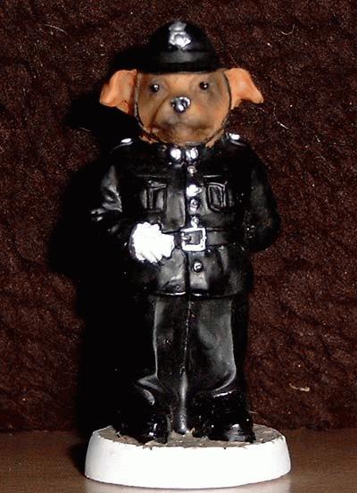 Stafford Bullterrier als englischer Polizist